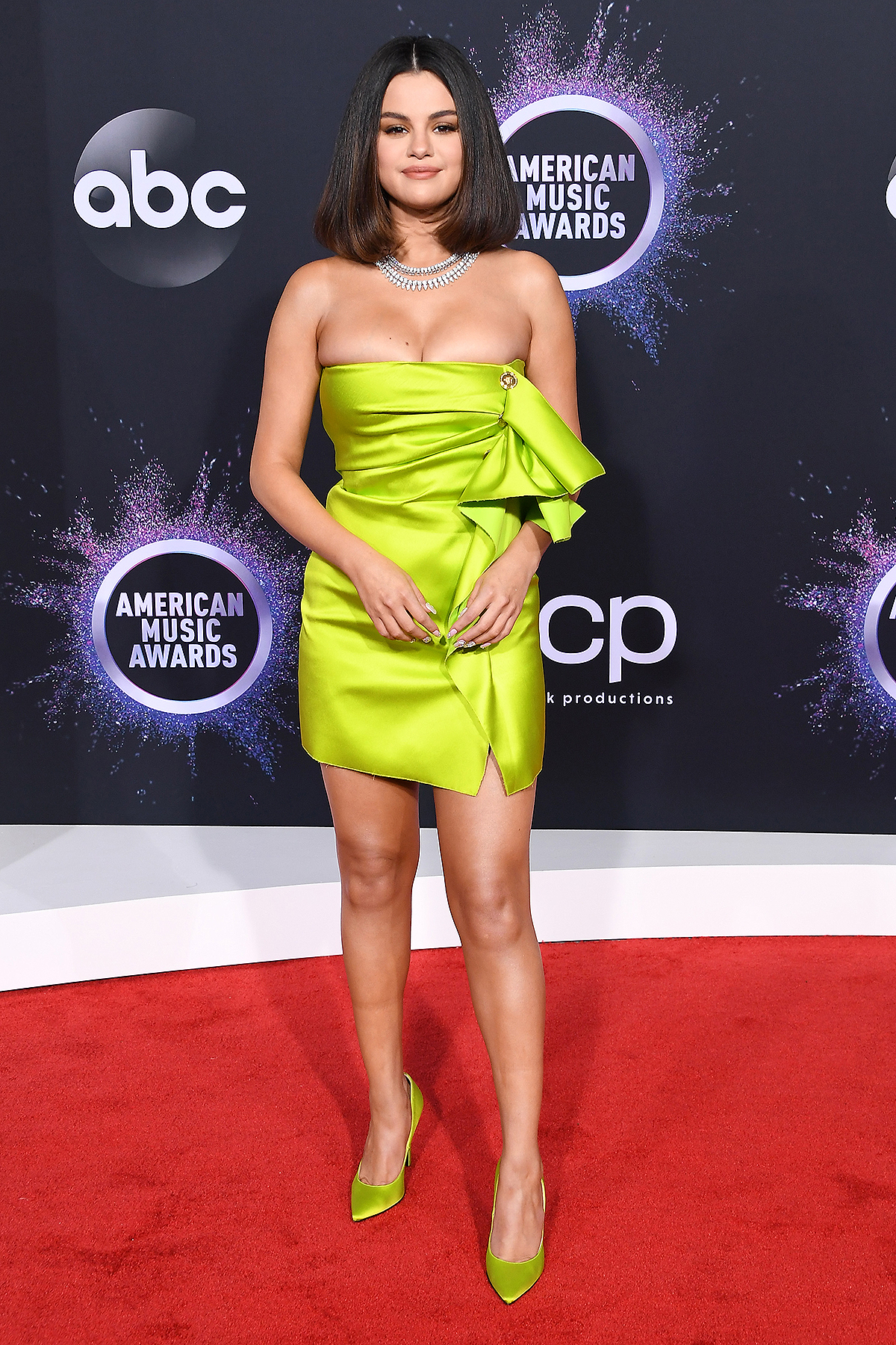 Selena Gomez at AMAs 2019 – Red Carpet